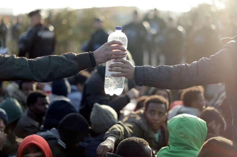 Høsten 2015 ble verdens ledere enige om en storstilt plan for å utrydde fattigdom, bekjempe ulikhet og stoppe klimaendringene innen 2030. To av tre nordmenn har liten tro på at bærekraftsmålene vil bli nådd i løpet av de 12 neste årene. Bildet er fra en leir av migranter i Calais i Frankrike, den såkalte «Jungelen».
