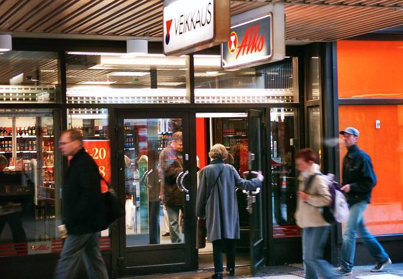 I Norge har vi Vinmonopolet – i Finland Alko. Et finsk høringsutkast gir nå Alko konkurranse på kvelden: Take away-salg av alkohol fra utesteder – og ja til sterkere alkohol i supermarkeder.