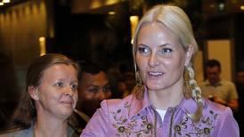 Kongehuskjenner: Mette-Marit burde ikke ha reist
