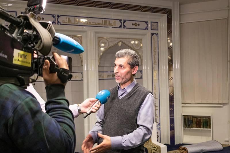 Åpent møte i Islamic Cultural Centre (ICC), angående koranbrenning. Basim Ghozlan