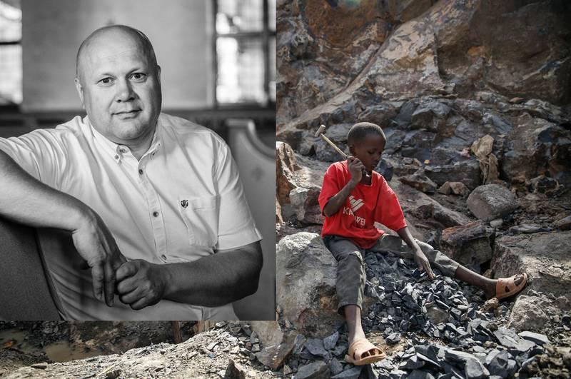 Syv år gamle Kevin fra Kenya er på jobb. Arbeidsoppgaven hans er å knuse stein med en hammer. Etter at moren mistet vaskejobben på grunn av koronapandemien har hun ikke hatt annet valg enn å sende barna ut i arbeid. FN anslår at millioner av barn risikerer å bli grovt utnyttet i farlige jobber på grunn av pandemien