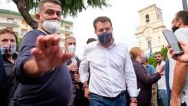 Italiensk eks-minister i retten for kidnapping etter å ha nektet flyktninger å gå i land