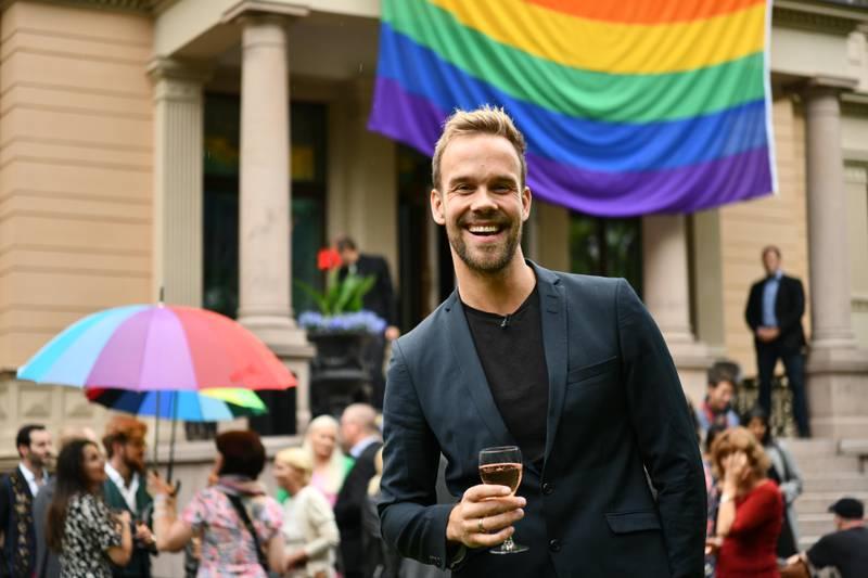 Oslo  20190619. Morten Hegseth under mottakelsen av representanter for Pride 2019 ved statsministerboligen. Foto: Ola Vatn / NTB scanpix