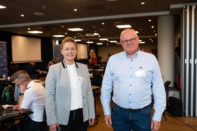 MEDLEMSKAP: Berit Hustad Nilsen, styreleder og informasjonsansvarlig i Brunstad Christian Church (BCC), og BCC-forstander Harald Kronstad er til stede under rådsmøtet til Norges Kristne Råd (NKR). Her blir det avgjort om BCC får bli fullverdige medlemmer av NKR.