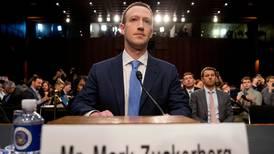 Facebook forbyr holocaustfornektelse - hylles av Israel