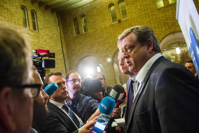 11.09.2015: De parlamentariske lederne Trond Helleland (H) og Harald Nesvik (FrP) møter pressen i forbindelse med presentasjon av forslag til tiltak for å håndtere asyltilstrømning.