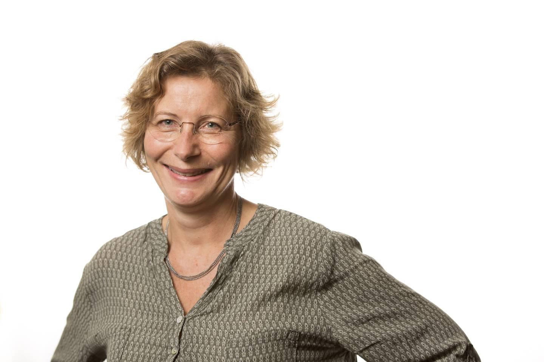 Helle Knutsen ved Folkehelseinstituttet, som forsker på hvordan evighetskjemikalier og andre miljøgifter kan gjøre oss syke
