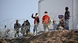 Lesvos-migranter ber om hjelp: – Vi kveles