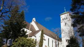 Ris kirke holder åpent etter tragedien i Hareid søndag