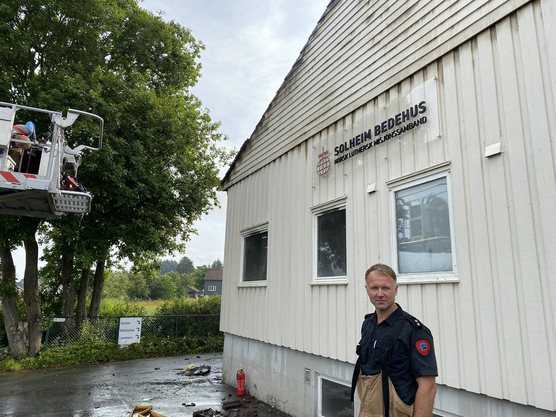 Eyvind Nårstad er underbrannmester i Rogaland brann og redning. Han skal holde vakt utover søndagen.