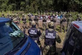 Fanga i grenseland i over 40 dagar - fire døde av utmatting
