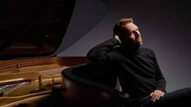 Leif Ove Andsnes spiller en tung Mozart, hvor alt er betydningsfullt