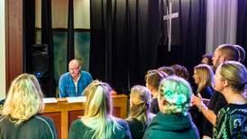 Håpar ikkje fellessong i kyrkjer og bedehus forsvinn