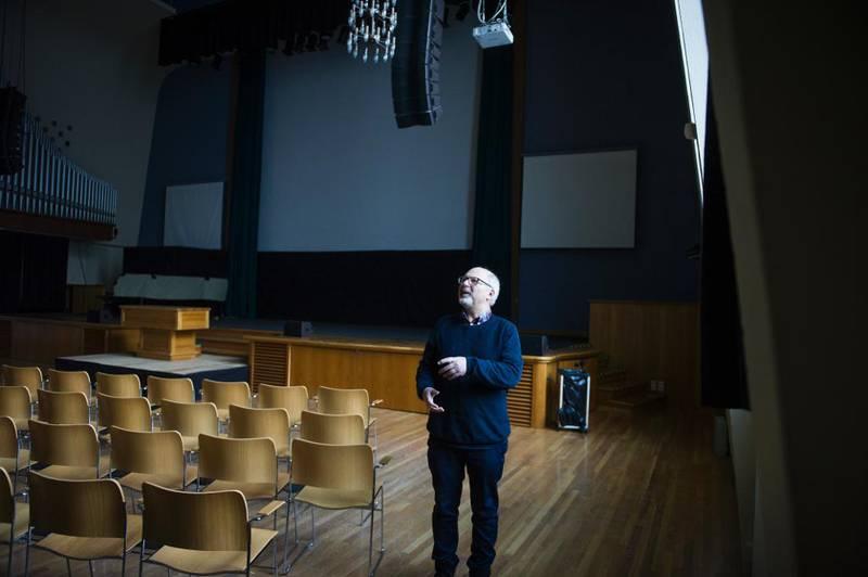 Jens-Petter Jørgensen var en av initiativtakerne og leder for Oase-bevegelsen i over 20 år. For 40 år siden ble det første Helligeånd-seminaret, Oases forløper, holdt i Storsalen i Oslo.