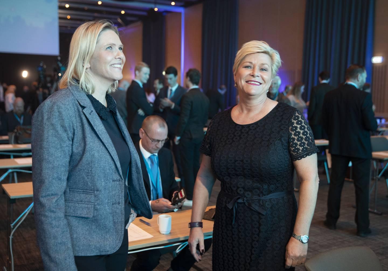 Gardermoen, NORGE 20201017.  Partileder Siv Jensen og Sylvi Listhaug  under Fremskrittspartiets landsmøte på Gardermoen. Foto: Berit Roald / NTB