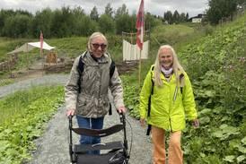 Pilegrimen Sissel (69) har gått 100 kilometer med rullator og svakt syn