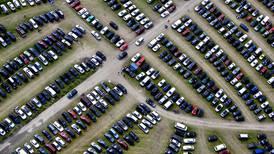 Tar oppgjør med økt bilbruk: – Veksten i bilparken skaper store problemer