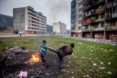 Levde i en av Europas fattigste gettoer: Michal (23) viser veien ut