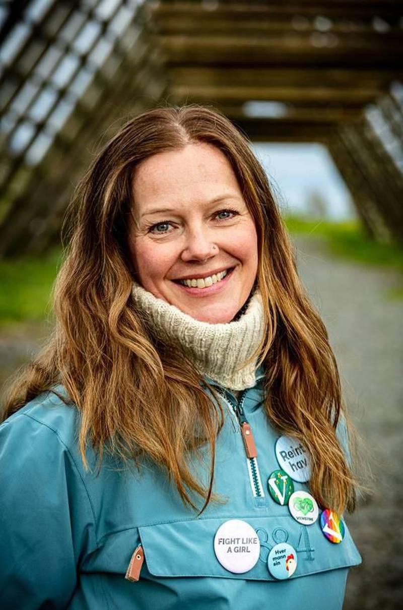 – Jeg har tillit til at dersom det viser seg at denne læreboka har innhold som er i strid med regelverket, så vil de sørge for at skolene ikke bruker den som læremiddel, sier statssekretær i Kunnskapsdepartementet Anja Johansen.