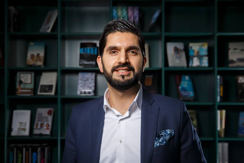 """OSLO  20160112. Forfatter og lege Mohammed Usman Rana har skrevet boken """"Norsk islam"""" som ble presentert på Aschehoug sin vårliste for 2016. Foto: Heiko Junge / NTB scanpix"""