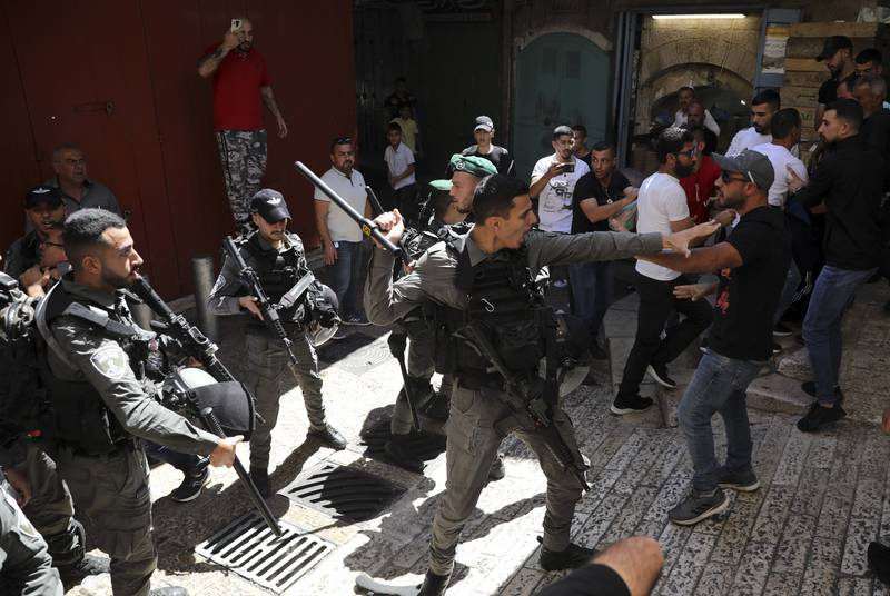 Israeli police and Palestinian protesters clash in Jerusalem's Old City