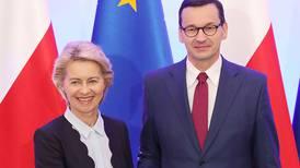 Ungarn krever EU-kommisærens avgang og starter tankesmie med Polen for å motarbeide EU