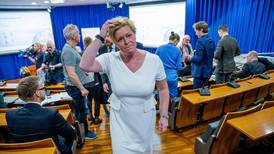 Setter inn oljemilliarder - rett før borgerlig valgkamp-drama