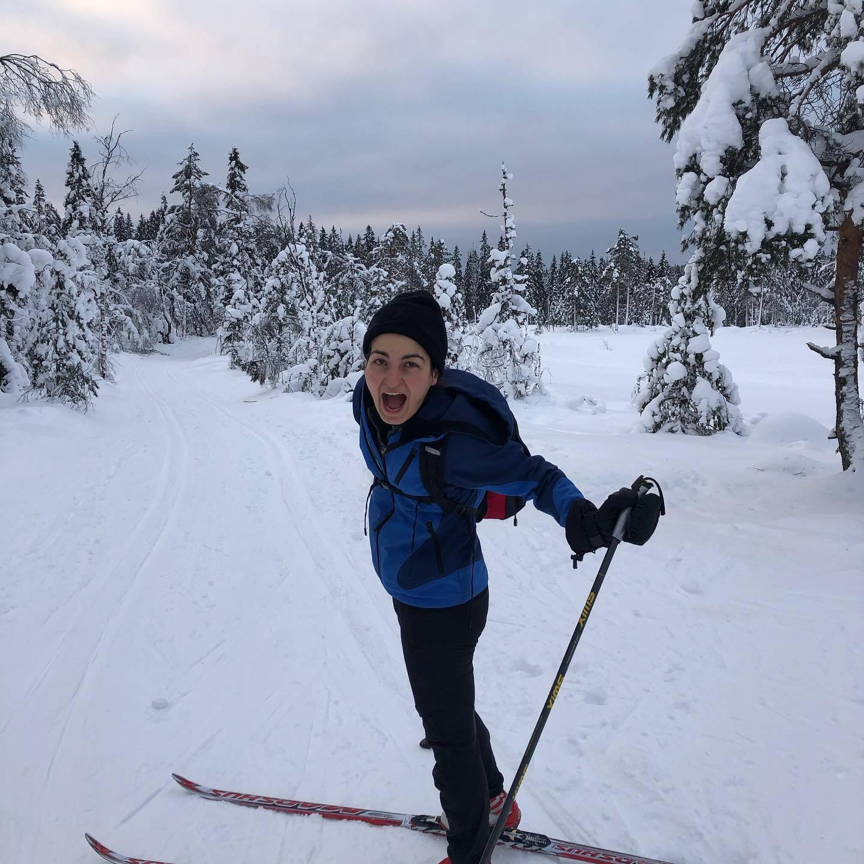 Sherry Hakimnejad var nysgjerrig på hva det handlet om, nordmenn på ski med termos, Kvikklunsj og appelsiner. Nå vet hun det. Og hun elsker det.