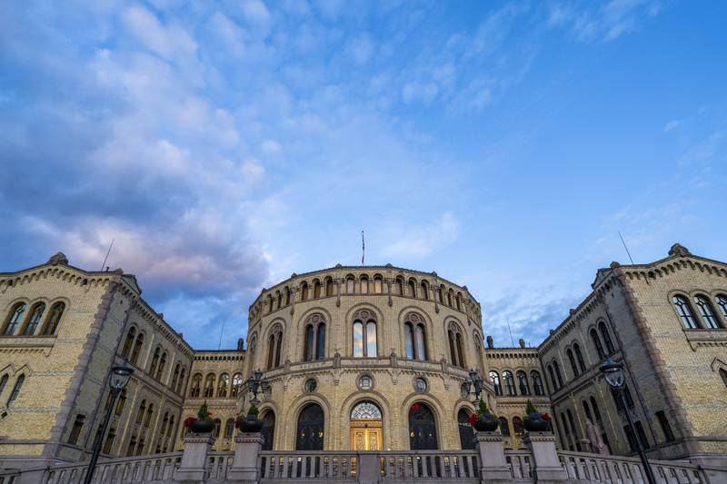 Stortinget i Oslo onsdag kveld. Foto: Håkon Mosvold Larsen / NTB