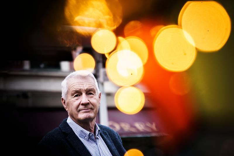 Å ikke hente ut norske IS-kvinner fra leirene, er en trussel mot rikets sikkerhet, mener Thorbjørn Jagland. Europarådets avgåtte generalsekretær mener Norge fraskriver seg ansvaret for dem.