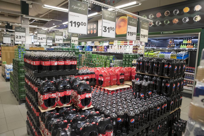 Sukkeravgifta blir fjerna 1. juli. Dermed blir brus billigare. Foto: Terje Pedersen / NTB / NPK