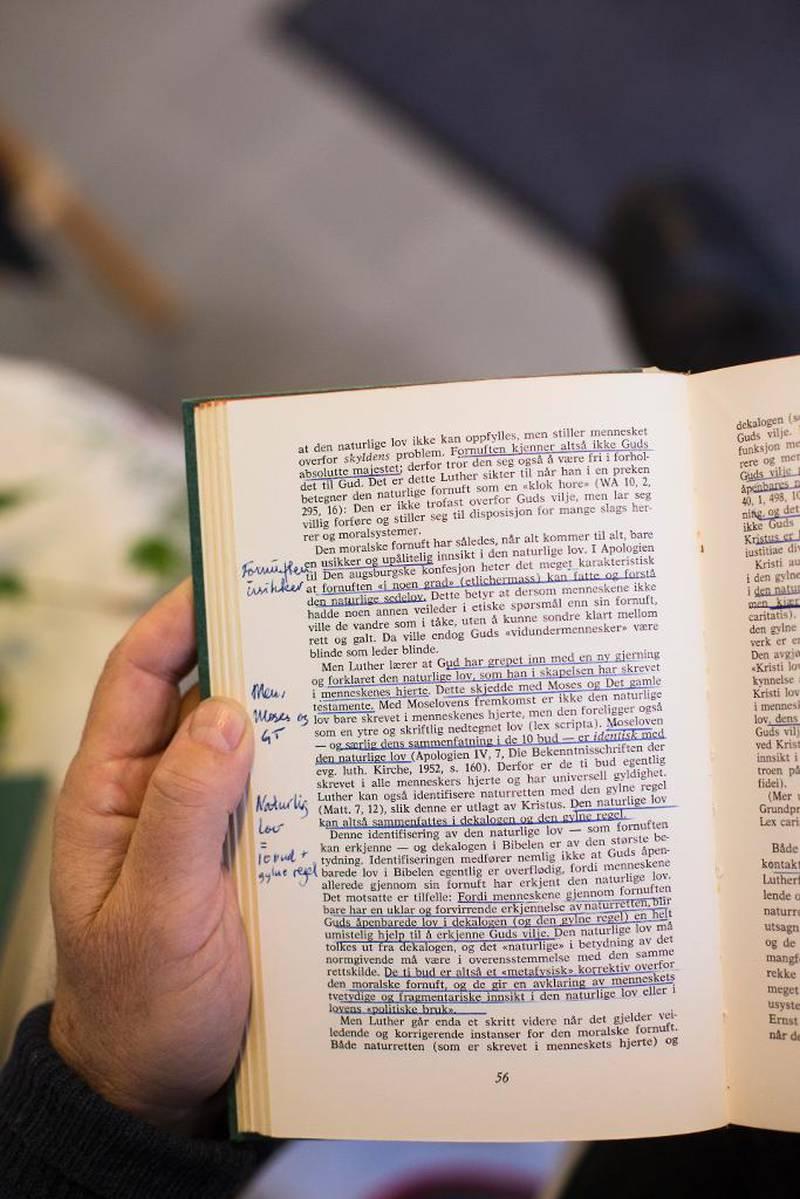 Kjell Magne Bondeviks to bind av er fulle av understrekinger og notater.