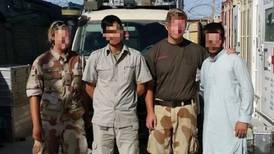 Afghanar som jobba for Noreg: – Håpar me blir redda raskt. Alt i morgon er det farlegare for oss her