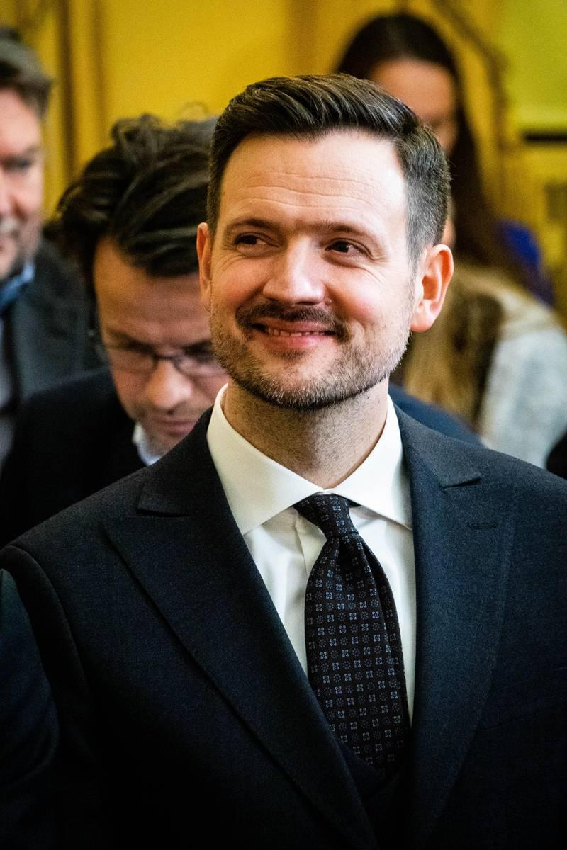 Regjeringsutvidelse 2019. Dag inge ulstein er ny Utenriksminister.