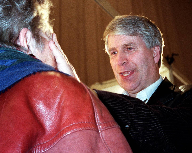 MIRAKEL: Predikanten Svein-Magne Pedersen hevder han kan helbrede mennesker fra sykdom og lidelser. Her fotografert i 1999.