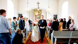 Nei, det er ikke dyrt å gifte seg i kirken