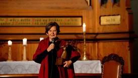Helga Haugland Byfuglien vinner Petter Dass-prisen