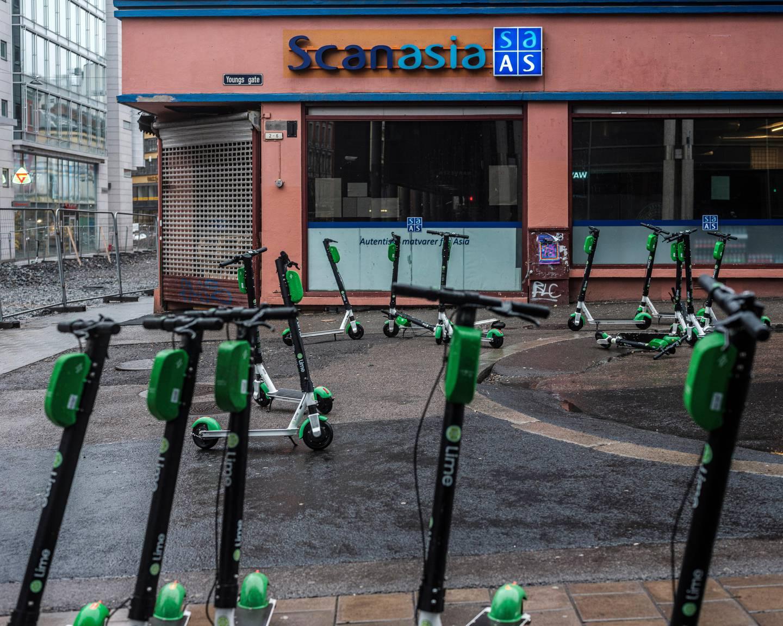 Tomme gater i Oslo første helgen med Corona-feber. Korona