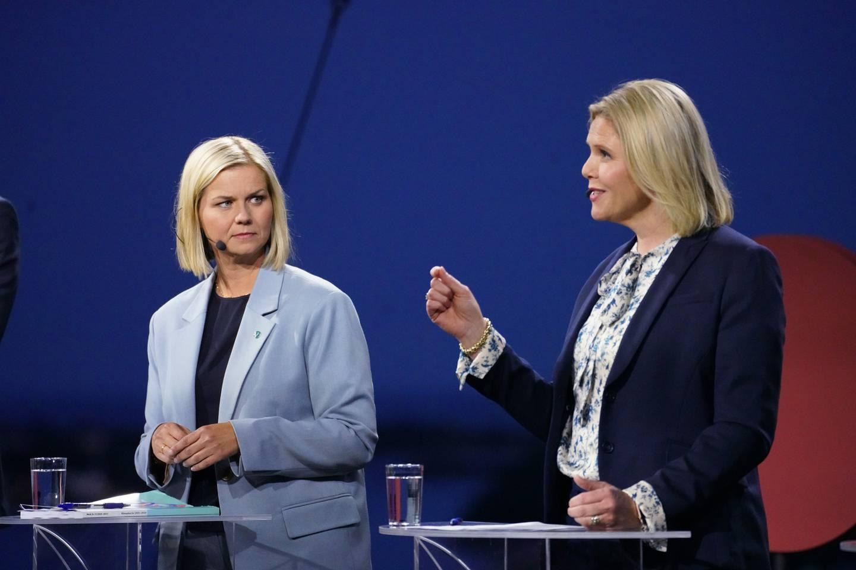 Venstre-leder Guri Melby og leder i Fremskrittspartiet Sylvi Listhaug under NRKs direktesendte partilederdebatt i Arendal.