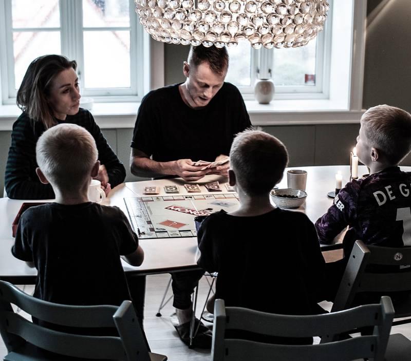 Rachel og Kristian fikk ideen til en samlivsapp da ekteskapet ble satt under press etter at de fikk tre barn på under to år. De siste tallene til SSB viser at i de fleste skilsmisser fra 2018 var det barn involvert.