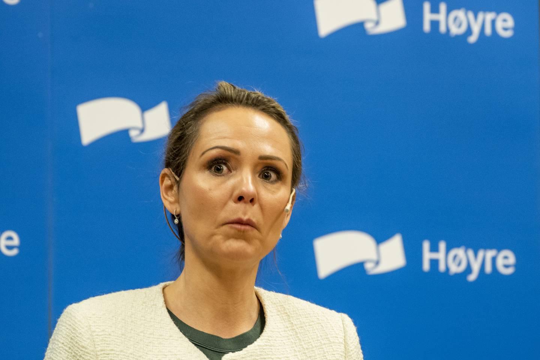 Distrikts- og digitaliseringsminister Linda Hofstad Helleland (H) lover en ekstra milliard til kommunene. Foto: Terje Pedersen / NTB