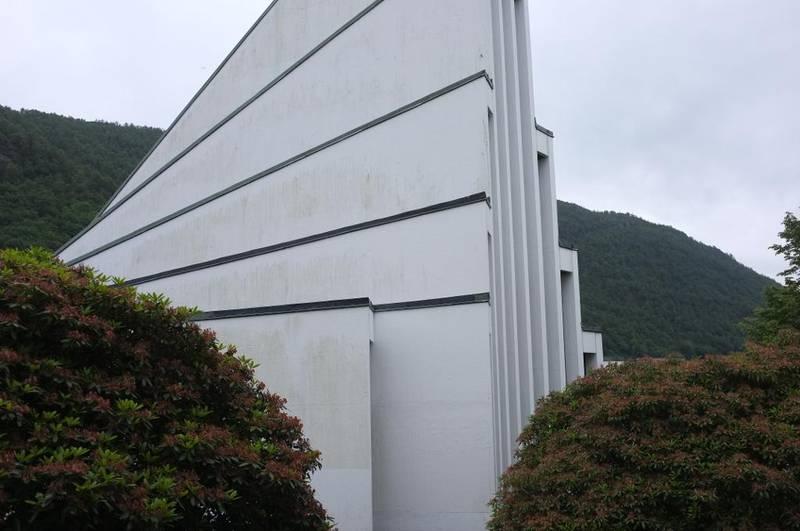 Landås kirke i Bergen. Arkitekt Ola Kielland-Lund.