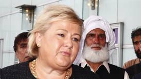 Statsminister Erna Solberg om moskéterroren: – Vi er ikke stolte