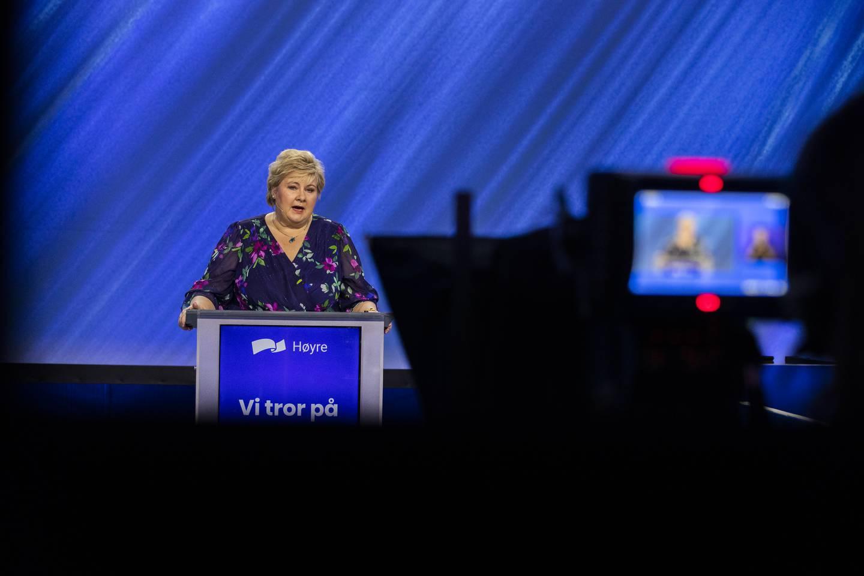 OSLO, NORGE 20210514.  Statsminister Erna Solberg holder tale under Høyres digitale landsmøte, som i år er lagt til Thon Hotel Opera. Foto: Berit Roald / NTB
